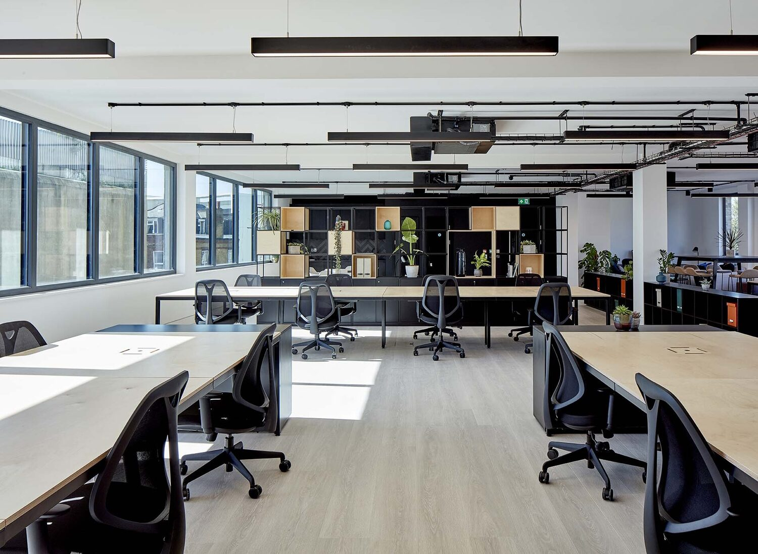 Take advantage of the super-deduction to re-fit your office